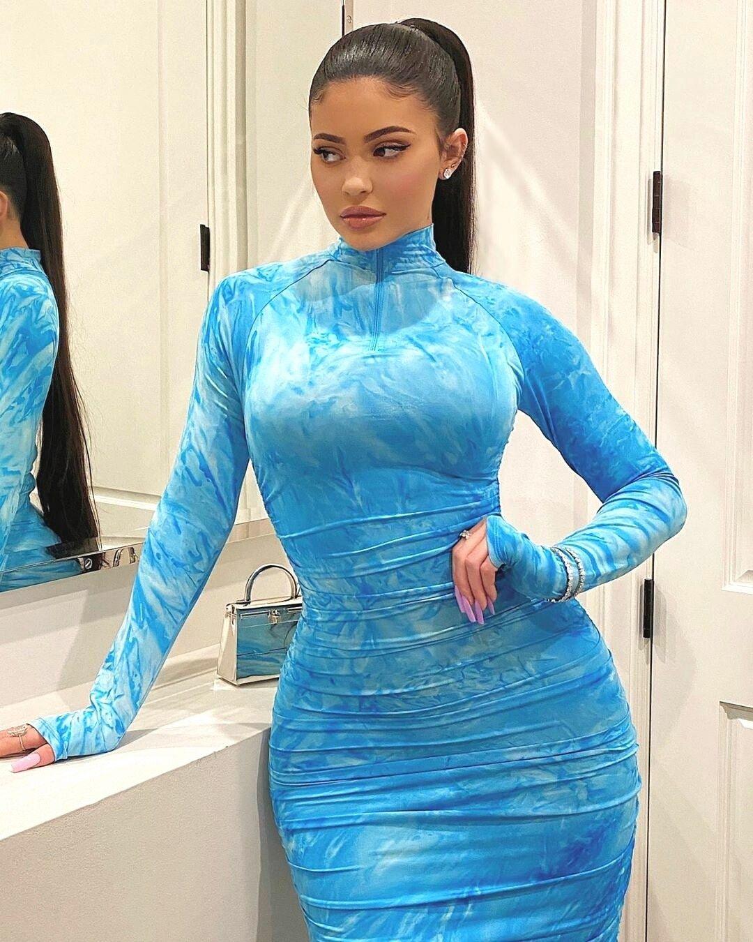Kylie Jenner /January'2020/ в 2020 г Наряды кайли дженнер