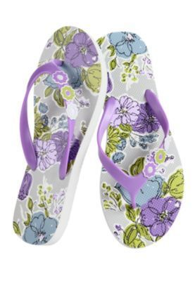 Vera Bradley Flip Flops in Watercolors -Choice Med or Large. Starting at $10 on Tophatter.com!