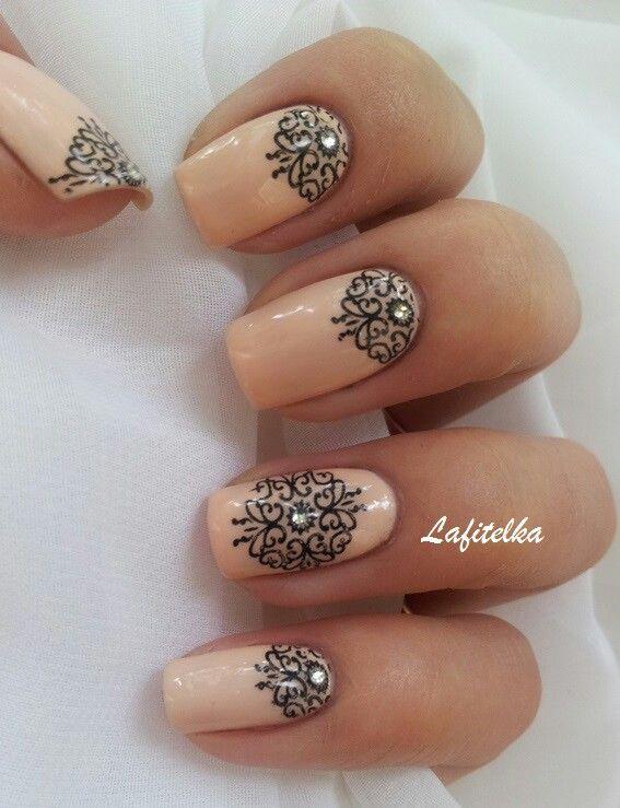 Stamping nail art. BM.