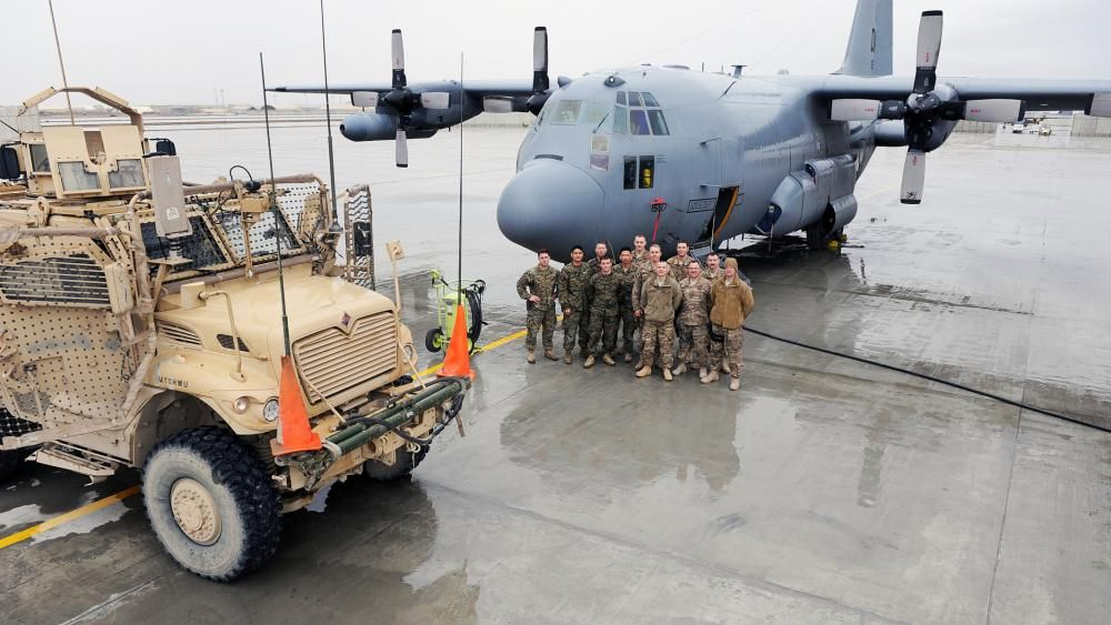 64d476728bf28 U.S. Air Force Airmen assigned to the 455th Expeditionary Aircraft  Maintenance Unit and U.S. Marines assigned to Georgian Deployment Program -  International ...