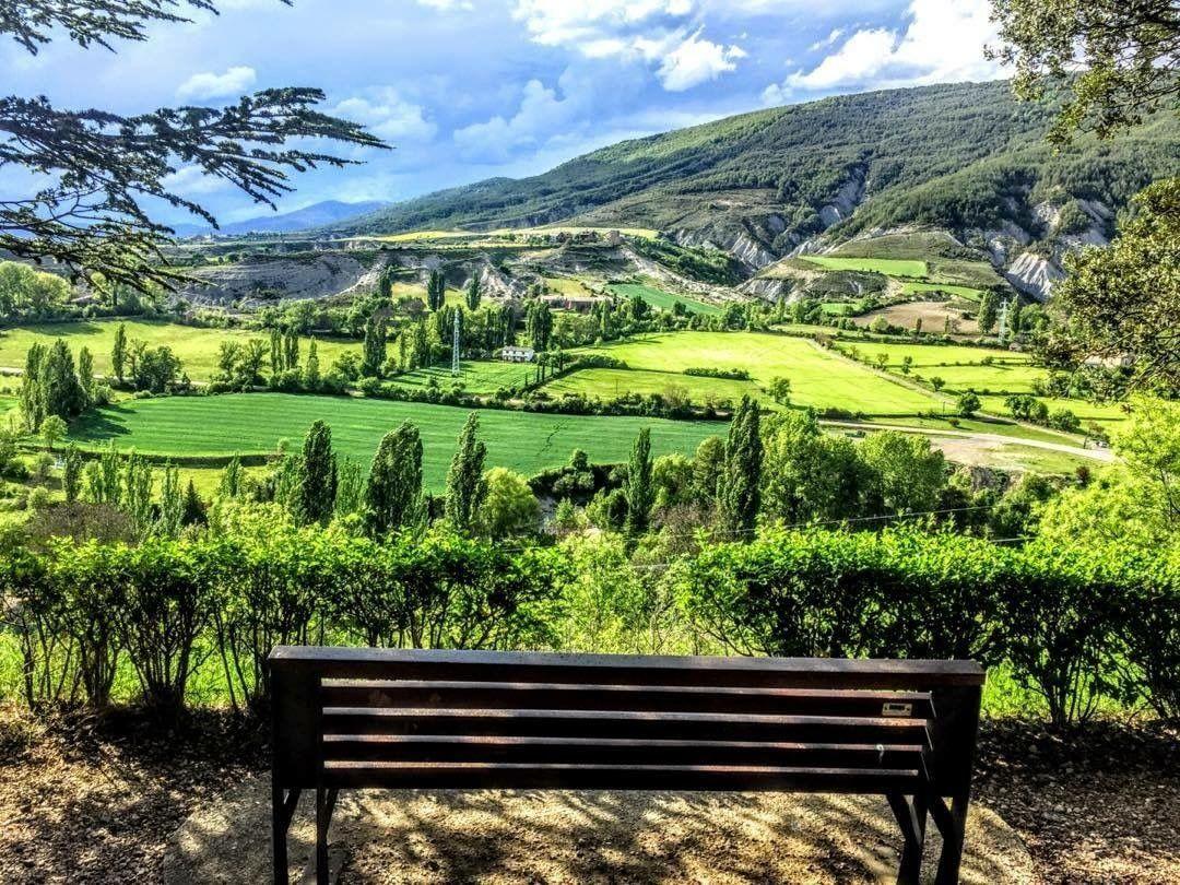 La Solana De Jaca Desde El Paseo De La Cantera Jaca Primavera Loves Aragon Atardecer Miraragon Casabiescas Pirineos Pyrenees Huesca Paseos Pirineos