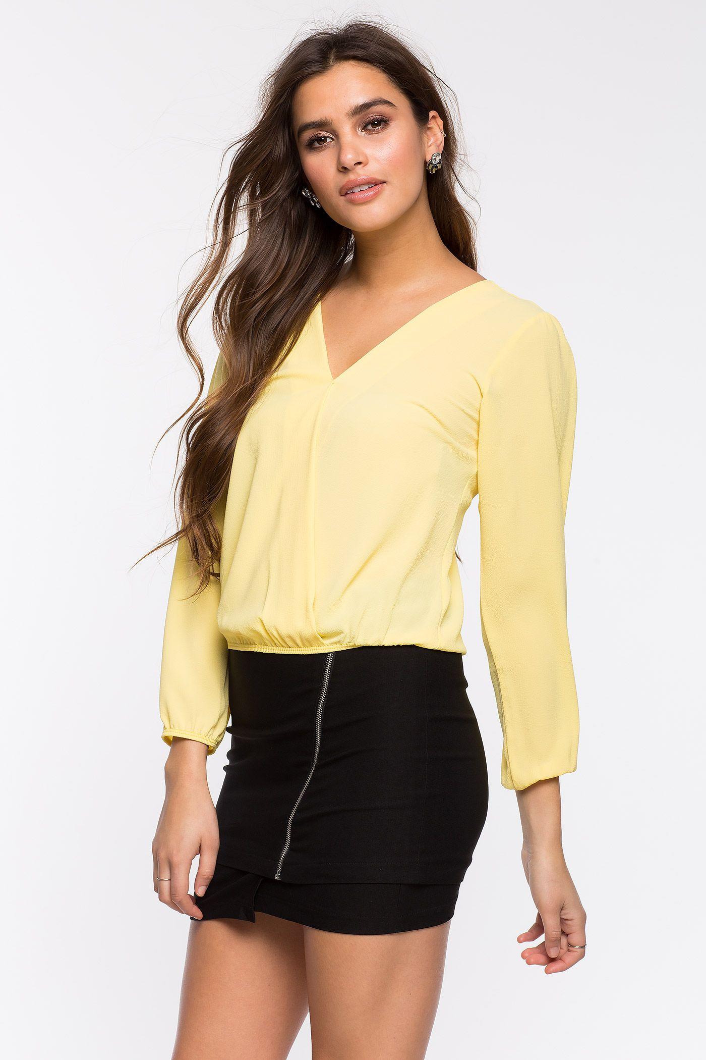 Блуза Размеры: S, M, L Цвет: розовый, ярко-синий, красный, банановый Цена: 1217 руб.     #одежда #женщинам #блузы #коопт