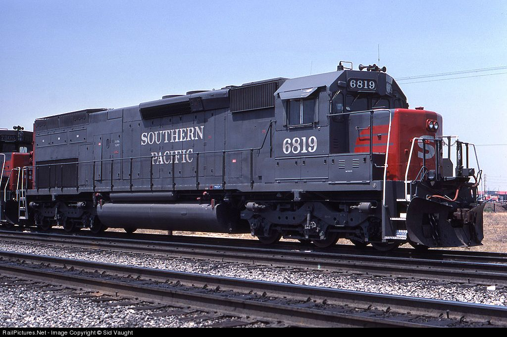 Southern Pacific EMD SD45T-2.