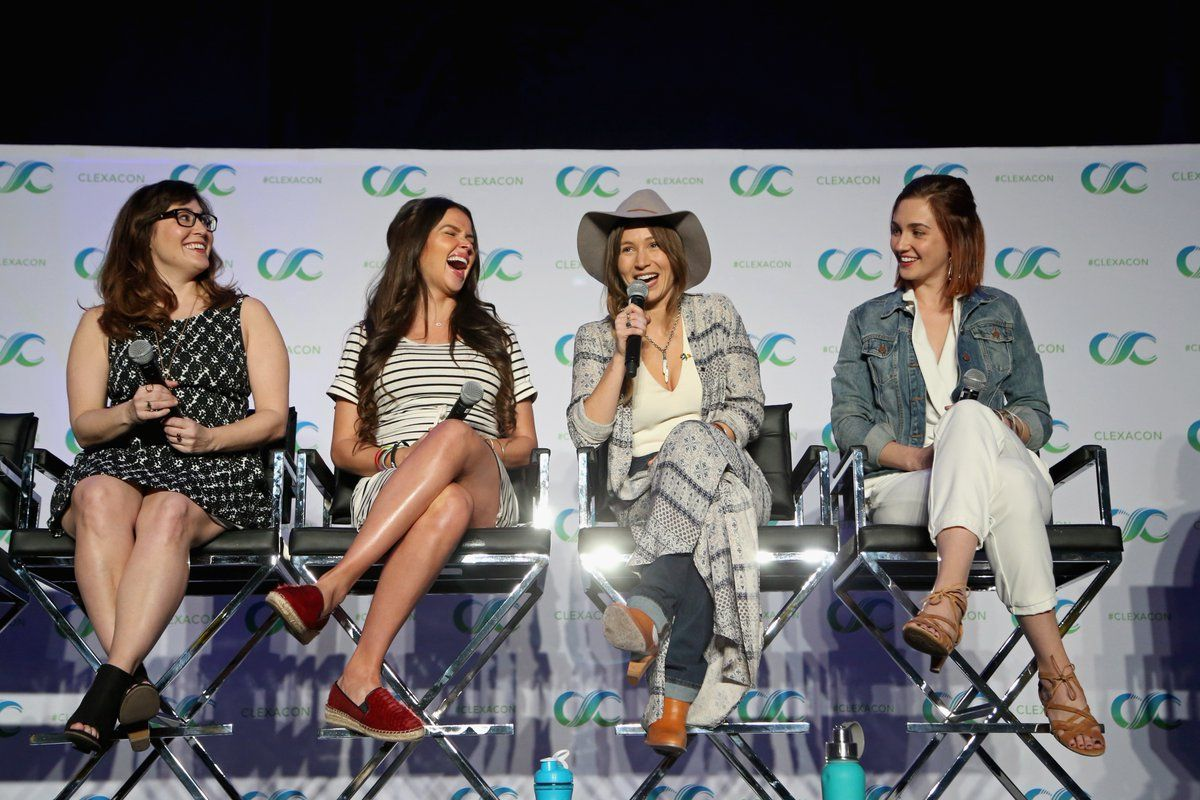 Wynonna Earp Cast At Clexacon 2018 With Images Dominique