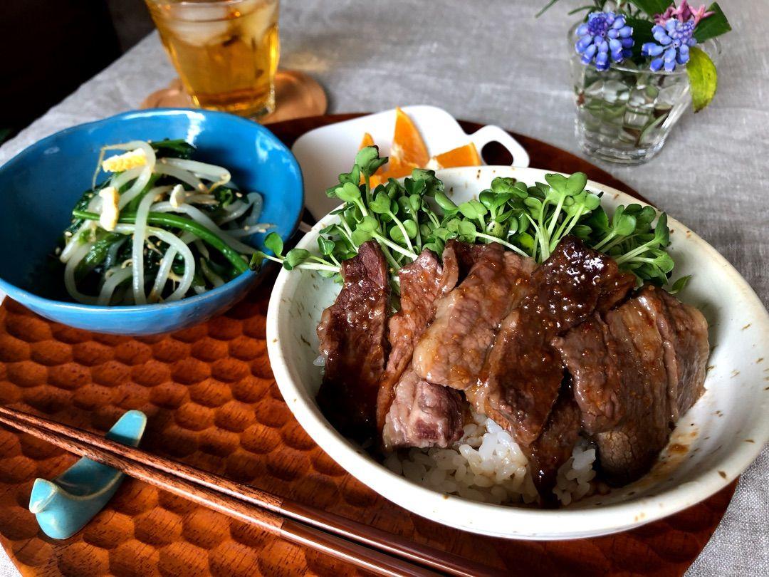 10分で完成する焼肉丼定食 焼肉丼 レシピ 焼肉丼 晩ご飯
