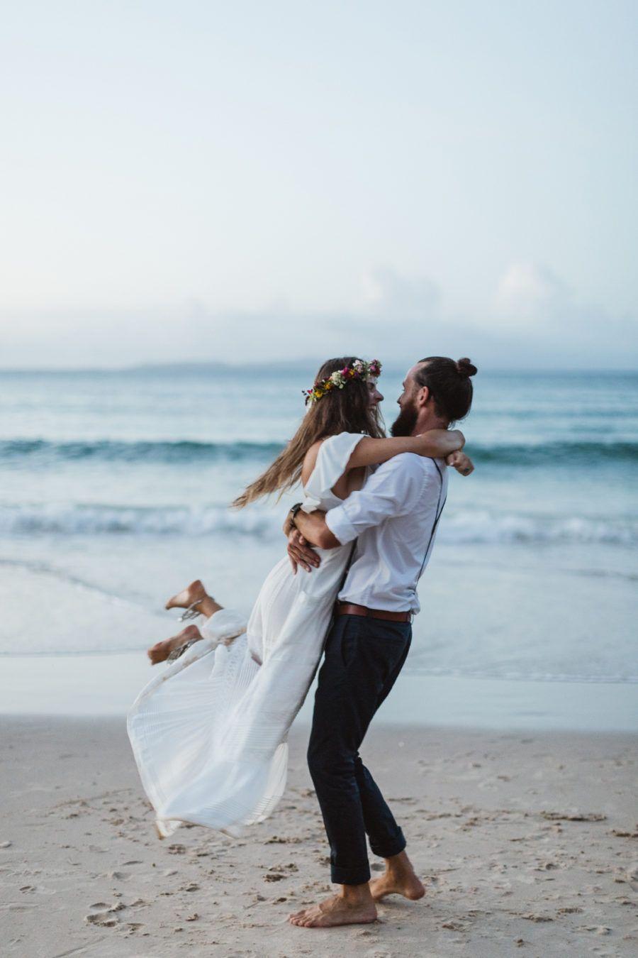 Levi & Lauren' Barefoot Noosa Elopement Wedding Plans