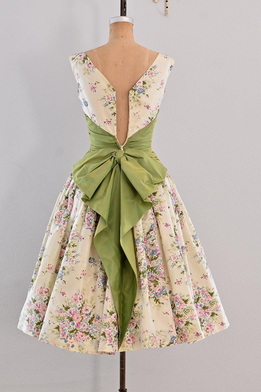 1eda613af Vintage 1950s dress - party dress   floral print   belle of the ball ...