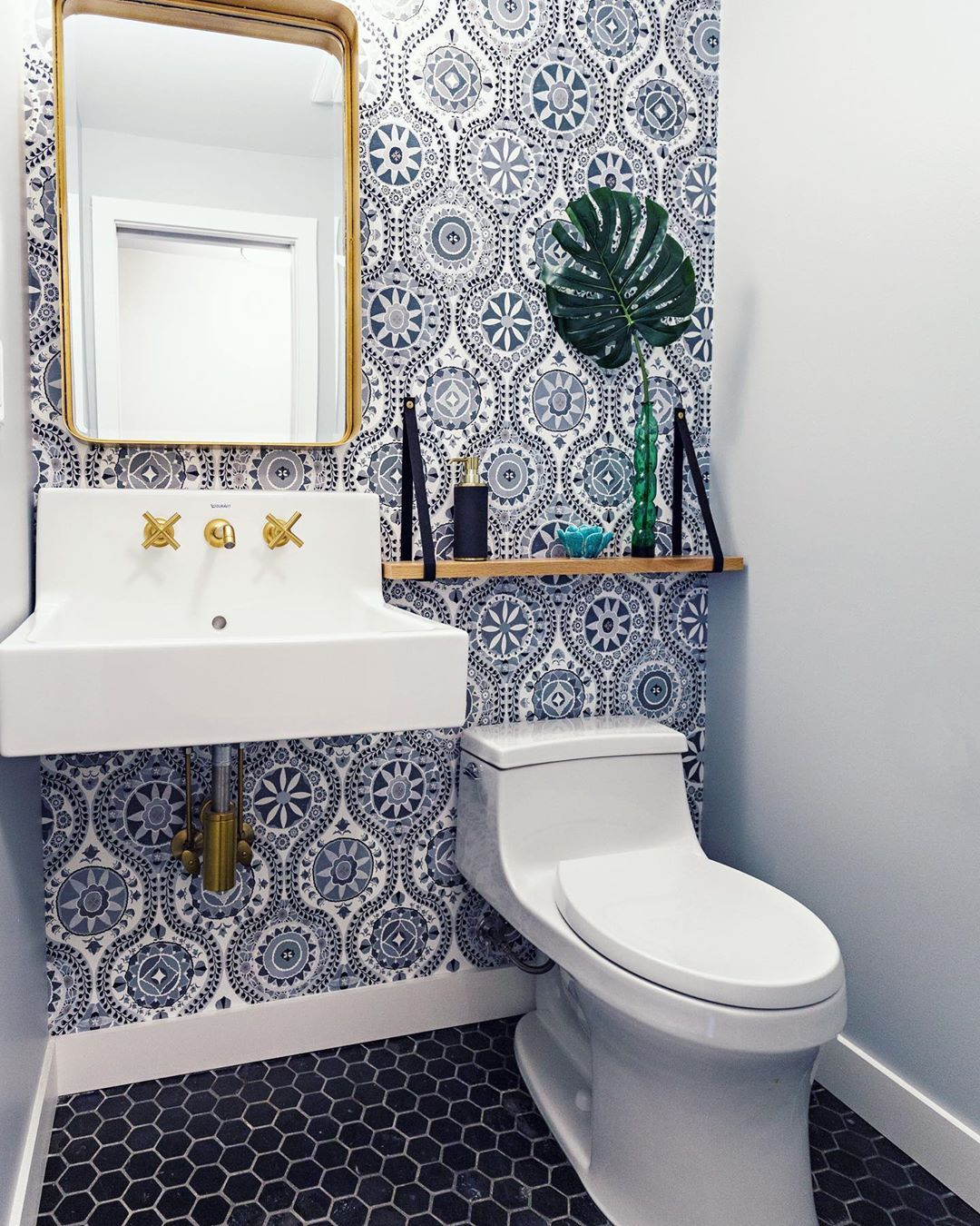 Christianne Benner Design On Instagram A Beautiful Beforeandafter Of This Tiny Powder Room A Spl Tiny Powder Rooms Powder Room Wallpaper Powder Room Small