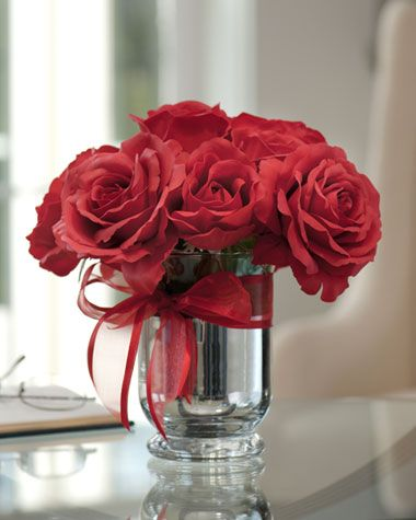 Lifelike artificial centerpieces silk flower for Small rose flower arrangement