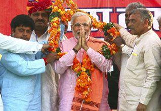 ஏழைகள் கட்சி என ஏமாற்றும் காங்.,: ராஜஸ்தானில் மோடி ஆவேச பேச்சு  http://www.dinamalar.com/news_detail.asp?id=857231