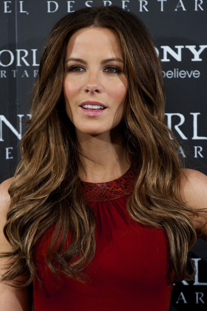 More Pics of Kate Beckinsale Long Curls