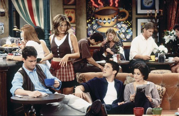 Matthew Perry as Chandler Bing, Jennifer Aniston as Rachel