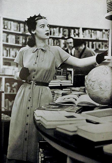 Five 40s Dresses That Capture The Era: 1940s Fashion Mademoiselle Magazine March 1944