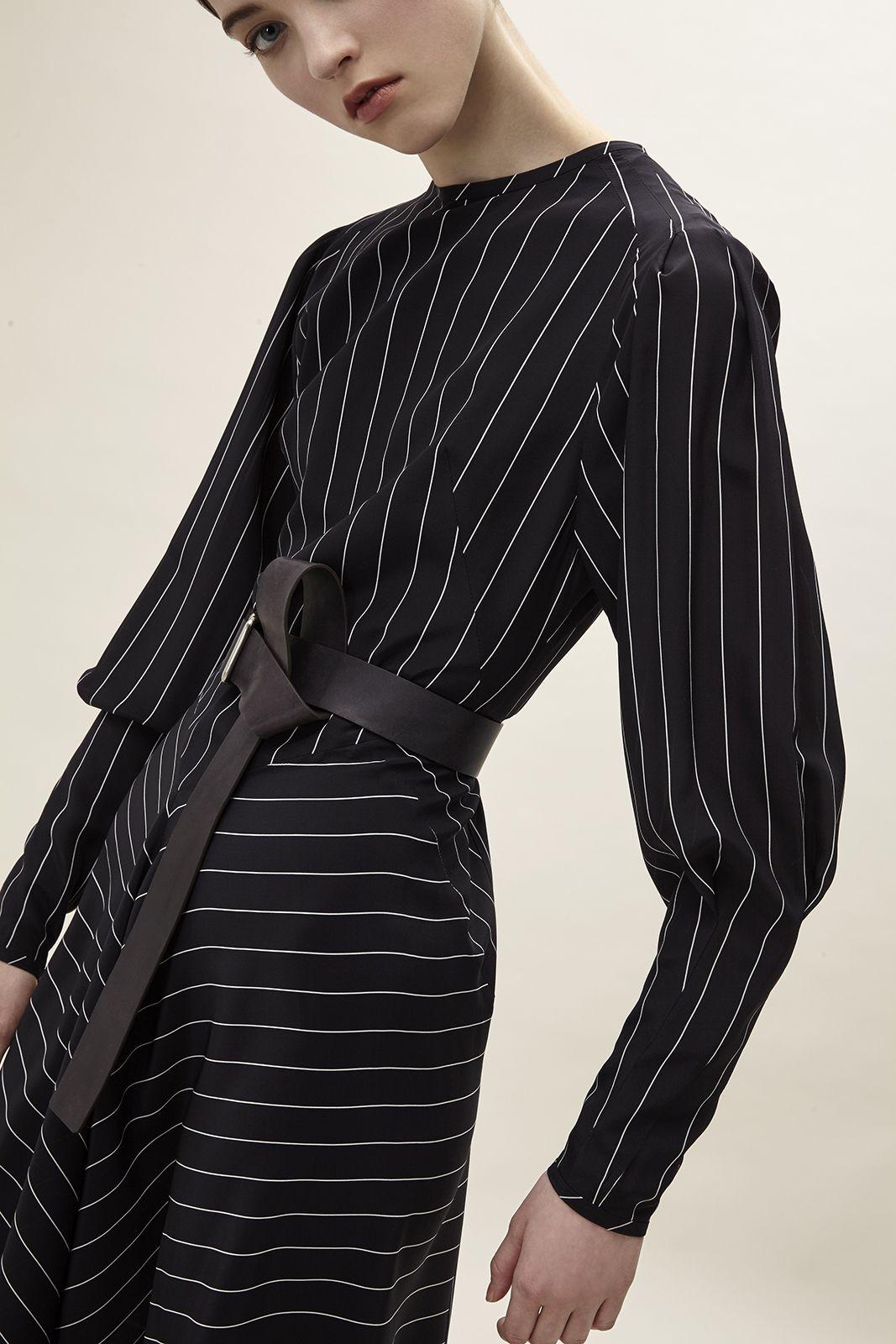 Striped silk dress. #aquilanorimondi #tommasoaquilano #robertorimondi #womenfashion #madeinitaly #italiandesign #silk