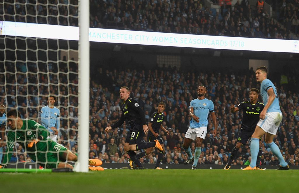 f69e31955 21 August 2017 Rooney v Man.City (A) Wayne Rooney turns home a cross from  Dominic Calvert-Lewin to give the Blues the lead at City