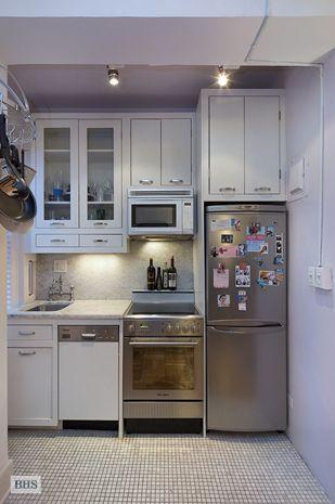 Small E Living Interior In 2019 Apartment Kitchen Compact