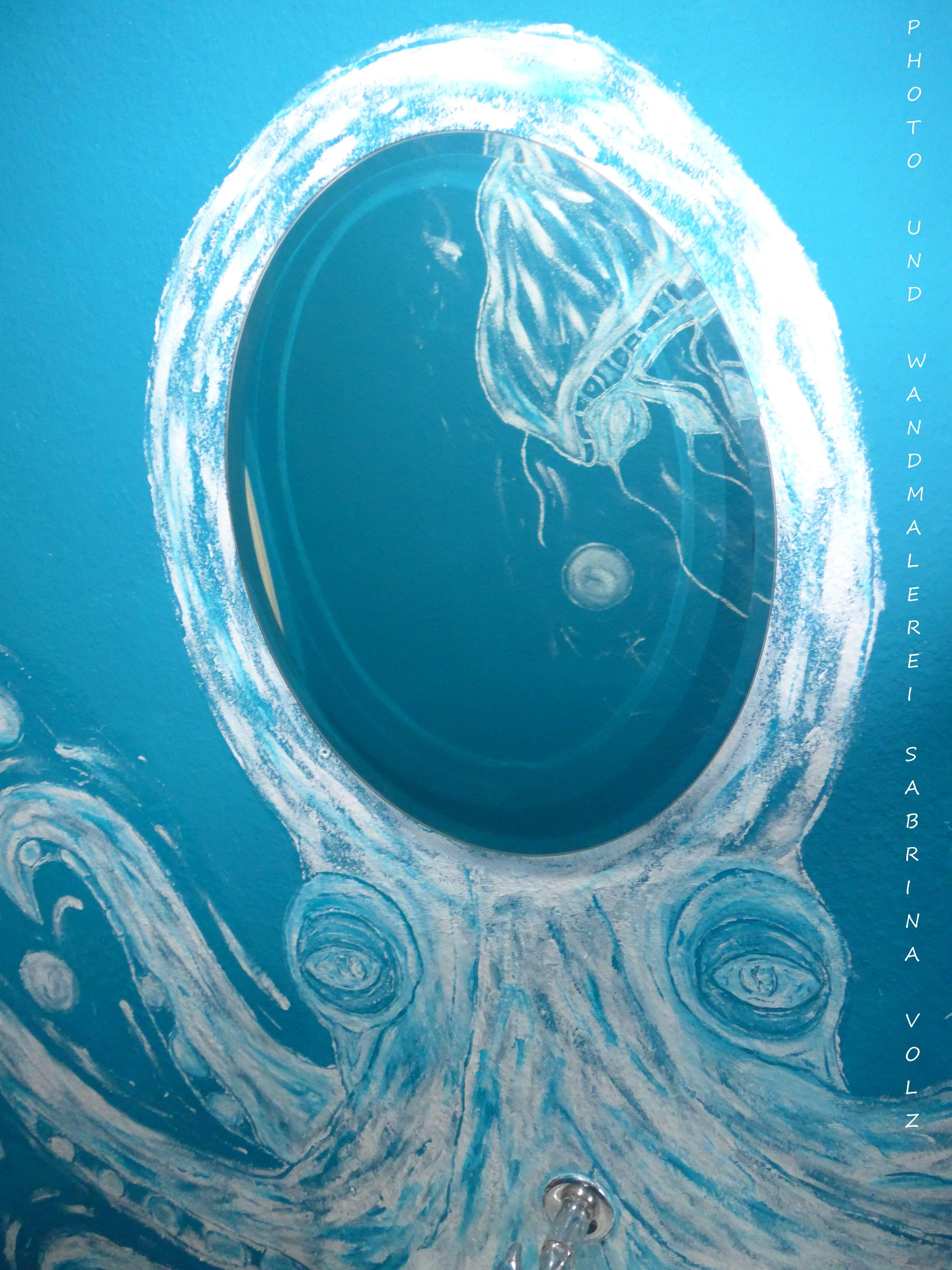 DIY - So wurde mein Bad zu einer Unterwasserwelt ... Von einer winzigen Photographie einer echten Krake - freihand - auf die Wand gezaubert ...