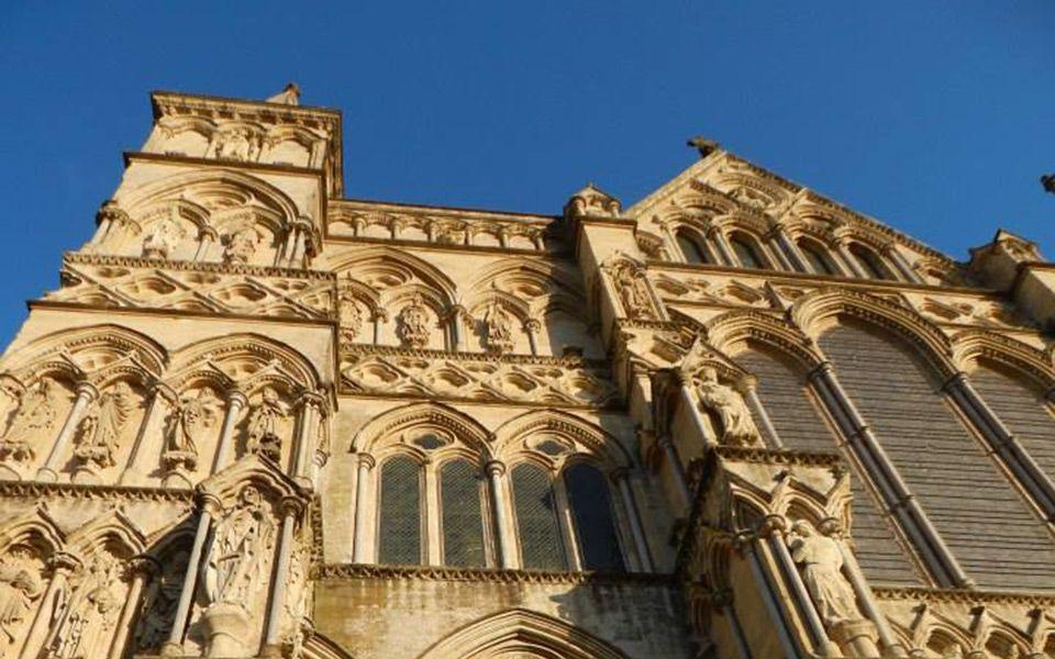 Salisbury é a cidade que você deve ir se quiser conhecer Stonehenge,um dos círculos megalíticos mais enigmático e visitadao do mundo.