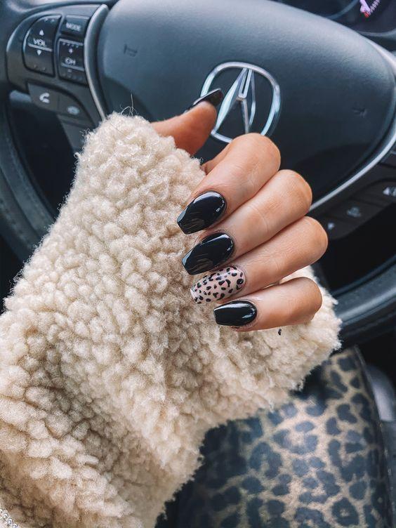 Black Nails With Leopard Nail Print In 2020 Cheetah Print Nails Best Acrylic Nails Fire Nails