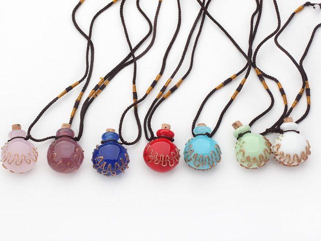 Fashion Style Colored Glaze Perfume Bottle Pendant with Brown Thread