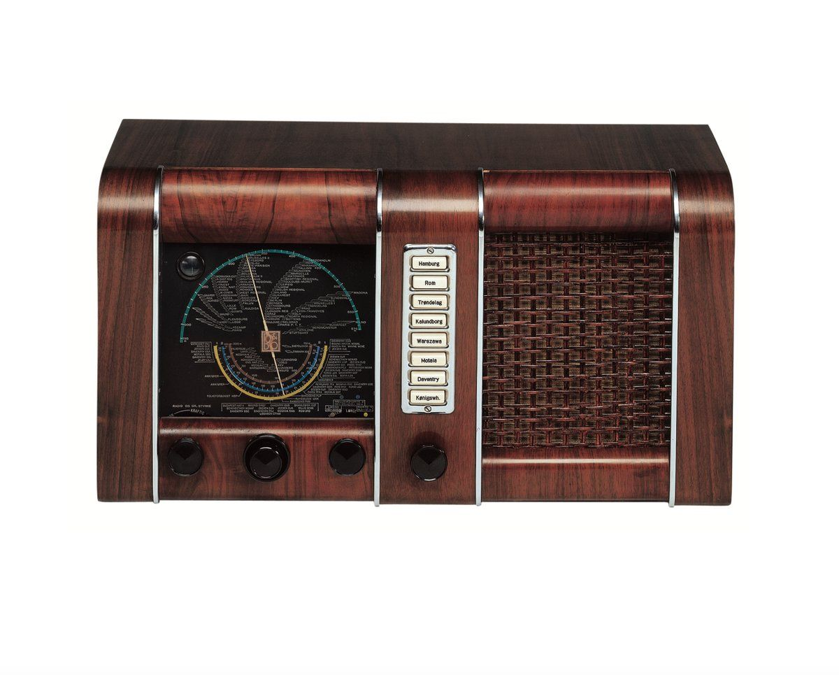 Bang And Olufsen Paris Master 39 K From 1939 This Bang Olufsen Radio Made It Possible