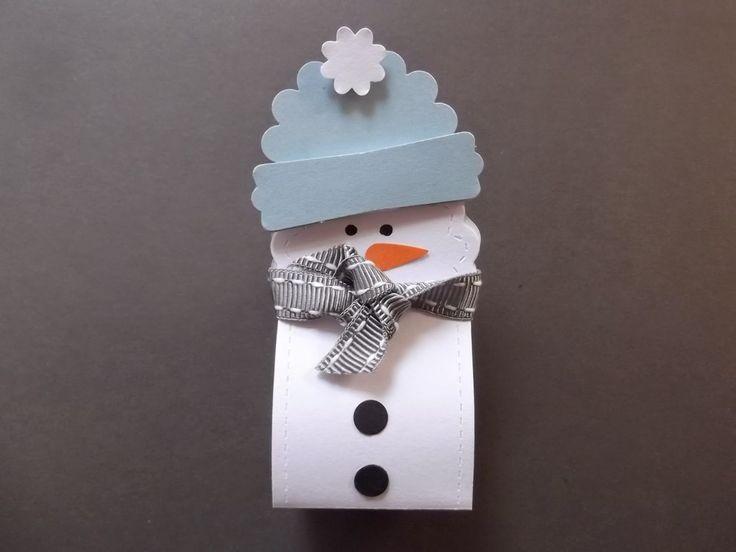 frecher kleiner schneemann mit raffaelo im bauch, -)   - Weihnachtsverpackung -