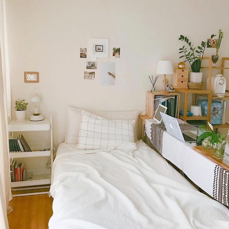 Pin By Sofia Solis Fashion Amp College On Dorm Room In