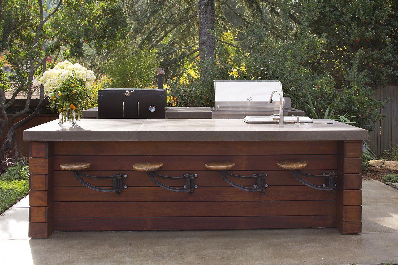 Featured On Houzz Outdoor Kitchen And Bar En Francais Lmb Interiors My Modern Ki Outdoor Kitchen Countertops Kitchen Countertops Outdoor Kitchen Design