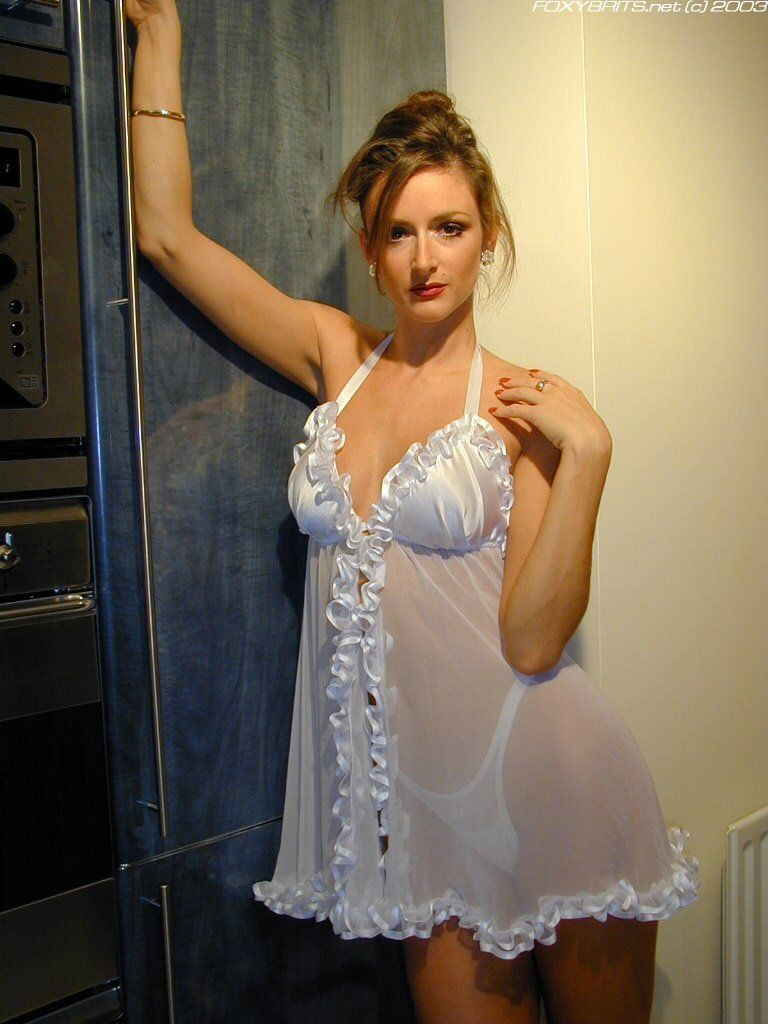 amateur #wife #housewife #heels #pantie | i'm famous | pinterest