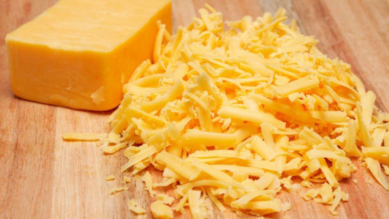 طريقة عمل جبنة الشيدر Cheesy Mac And Cheese Macaroni And Cheese Banana Dog Treat Recipe