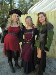 5d964a1a86dd8 10 Ideas for Maternity Costumes from a Pregnant Cosplayer ...
