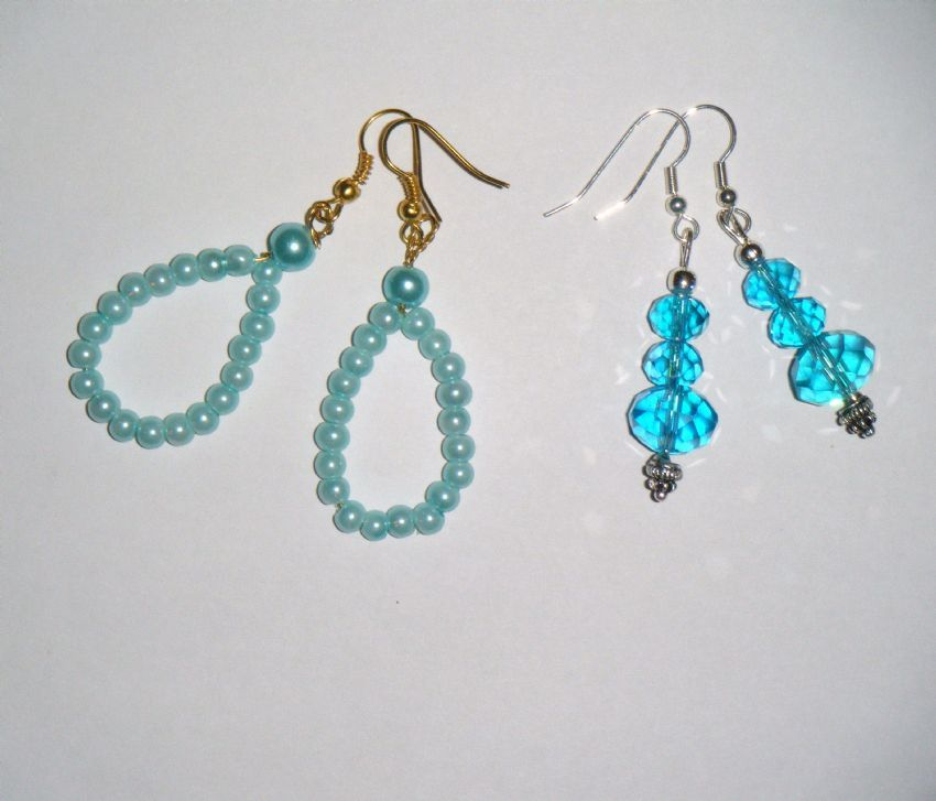 TWO pairs of drop earings in blue, crystals & pearl glass beads, hook fittings