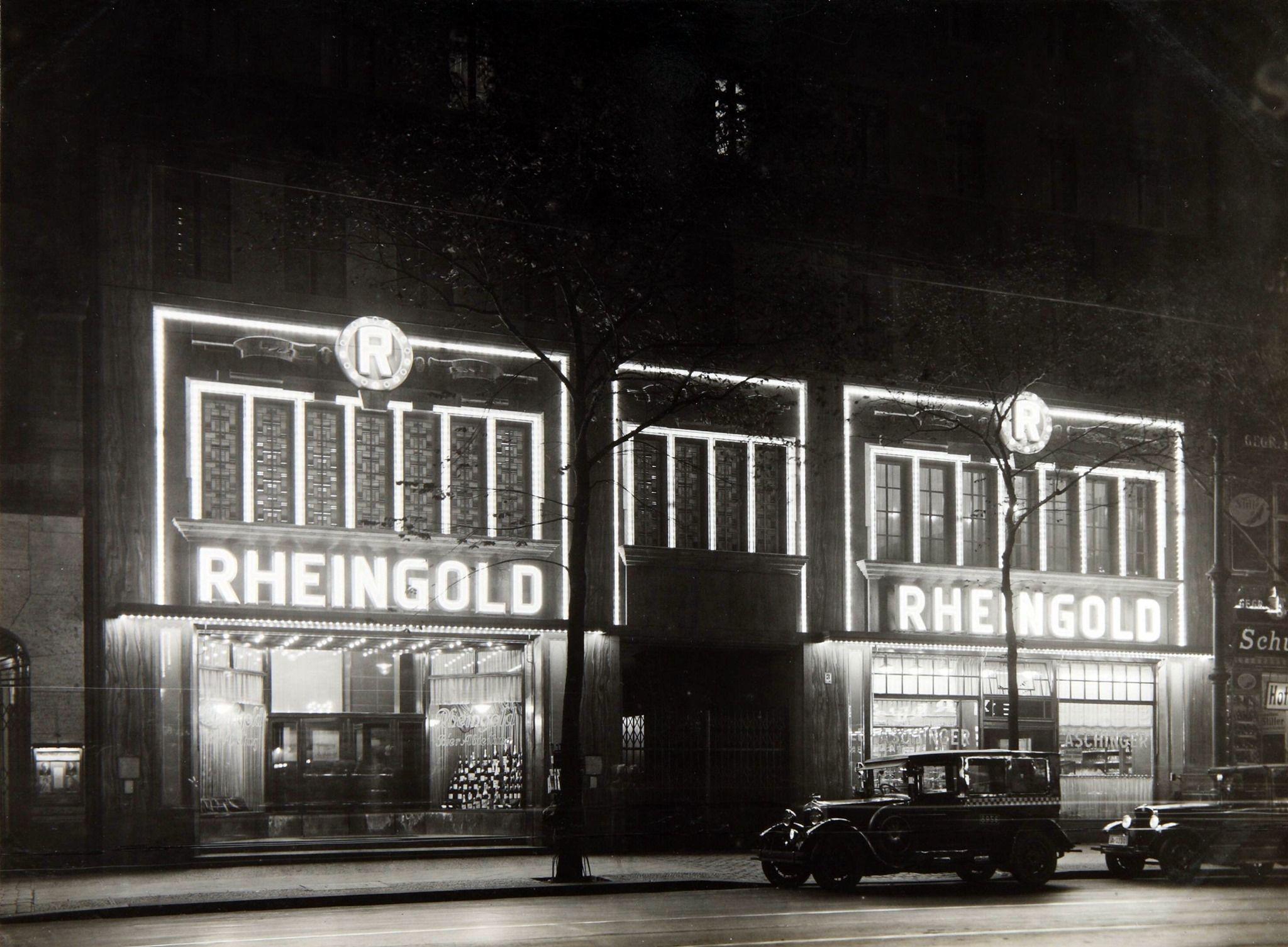 1928 Berlin Weinhaus Rheingold Berlin Im Licht Sammlung Online Stadtmuseum De In 2020 Berlin Photos Berlin Broadway Shows