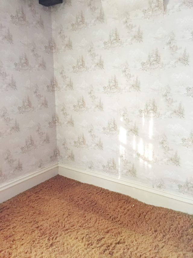 Old Wallpaper Can Be Difficult To Remove And Can Even Destroy The