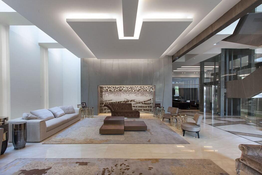 maison contemporaine de luxe sign e roma international plafond faux plafond et design de plafond. Black Bedroom Furniture Sets. Home Design Ideas
