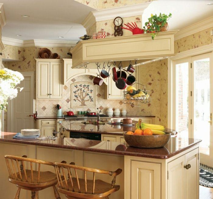 cocinas modernas pequeñas, cocina con isla, color crema, sartenes ...