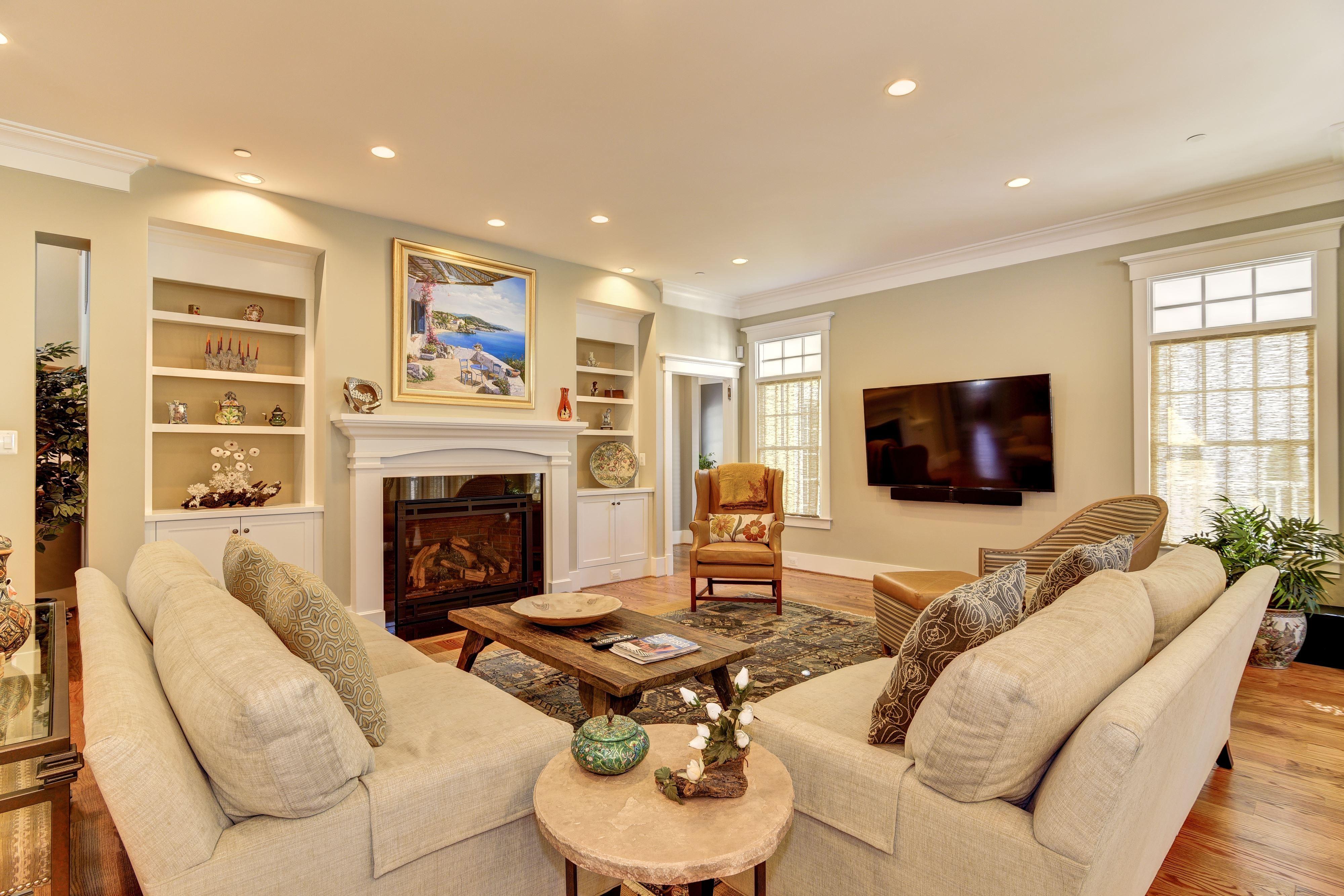 Small Volume Customized Home $700,000 - $849,999 Company: Mid-Atlantic Custom Builders Model: Ravello City: Bethesda, MD