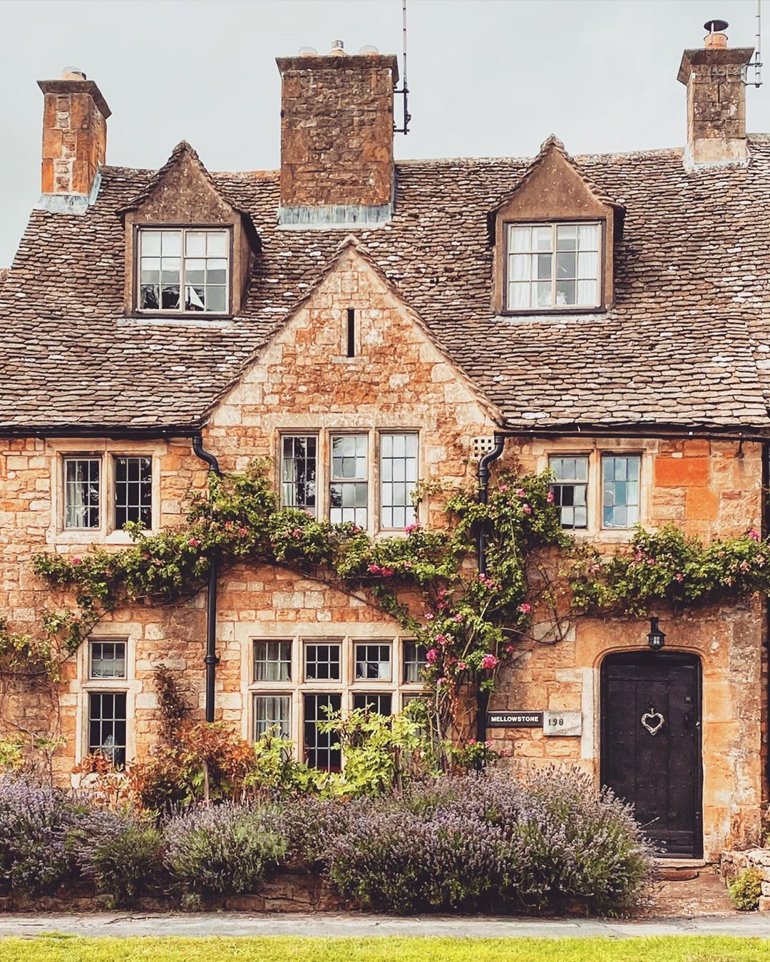 Annalise S Adventures Bath Annalisemaybath Instagram Foto S En Video S Cotswolds English Cottage House Styles