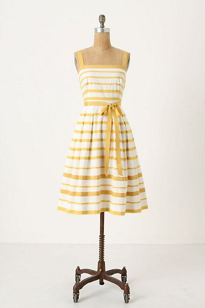 Sun Shades Dress - this makes me want to have a picnic.