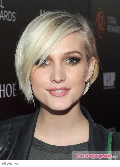 Ashlee Simpson Long Pixie To Short Bob