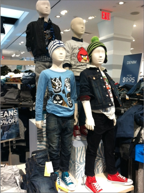 Mannequins in H+M NYC cool style