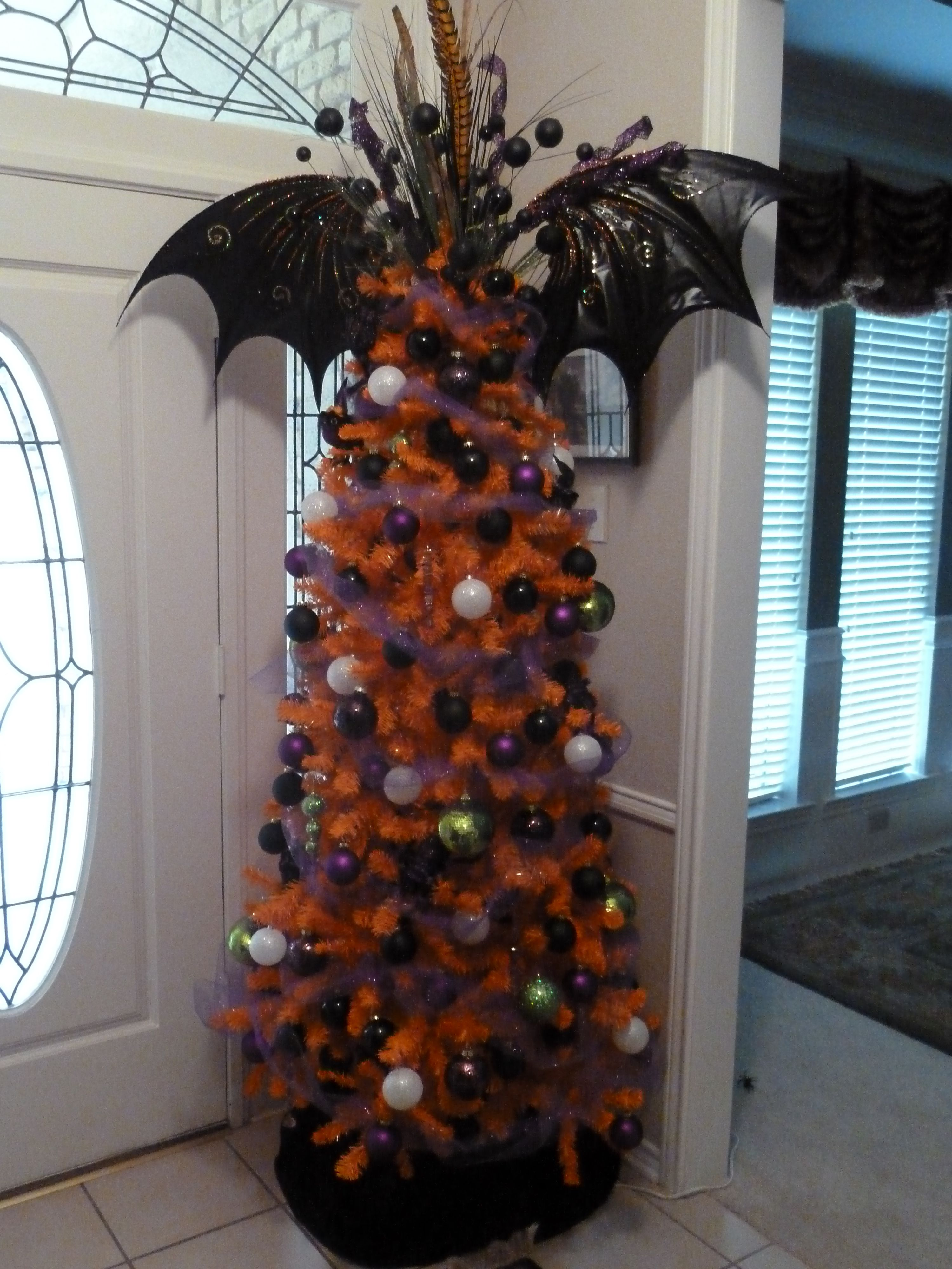 halloween tree i need to buy cheap ornaments from the dollar store and spray paint - Halloween Christmas Decorations