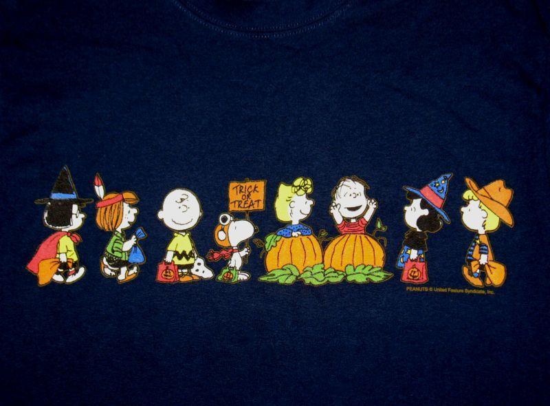 3546829c Peanuts Gang Halloween T-Shirt: Snoopn4pnuts.com | Snoopy | Snoopy ...