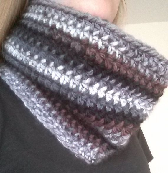 Crochet Cowl With Bow  women infinity scarf  by TiggyPatterns, $2.30