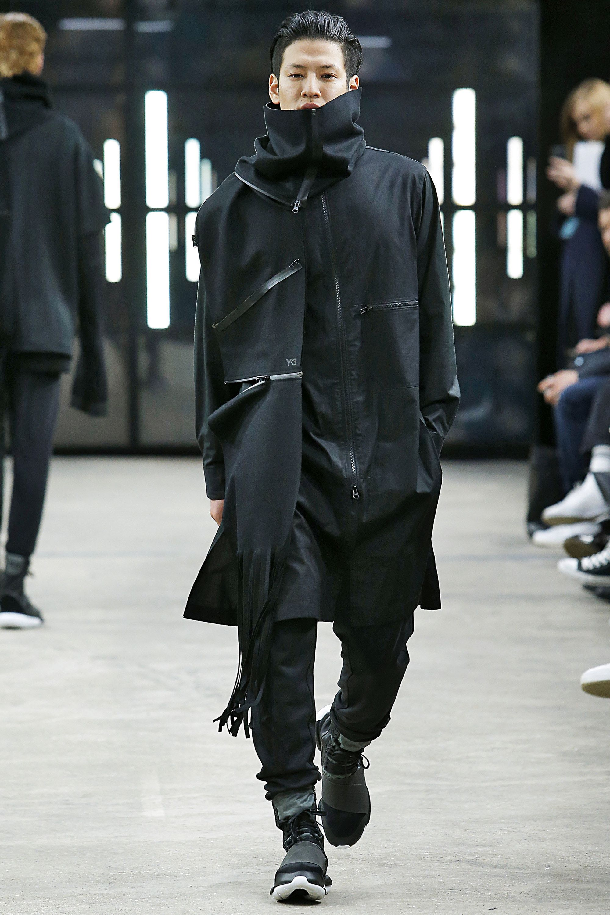 brand new 0883e b8bbd See the complete Y-3 Fall 2016 Menswear collection.