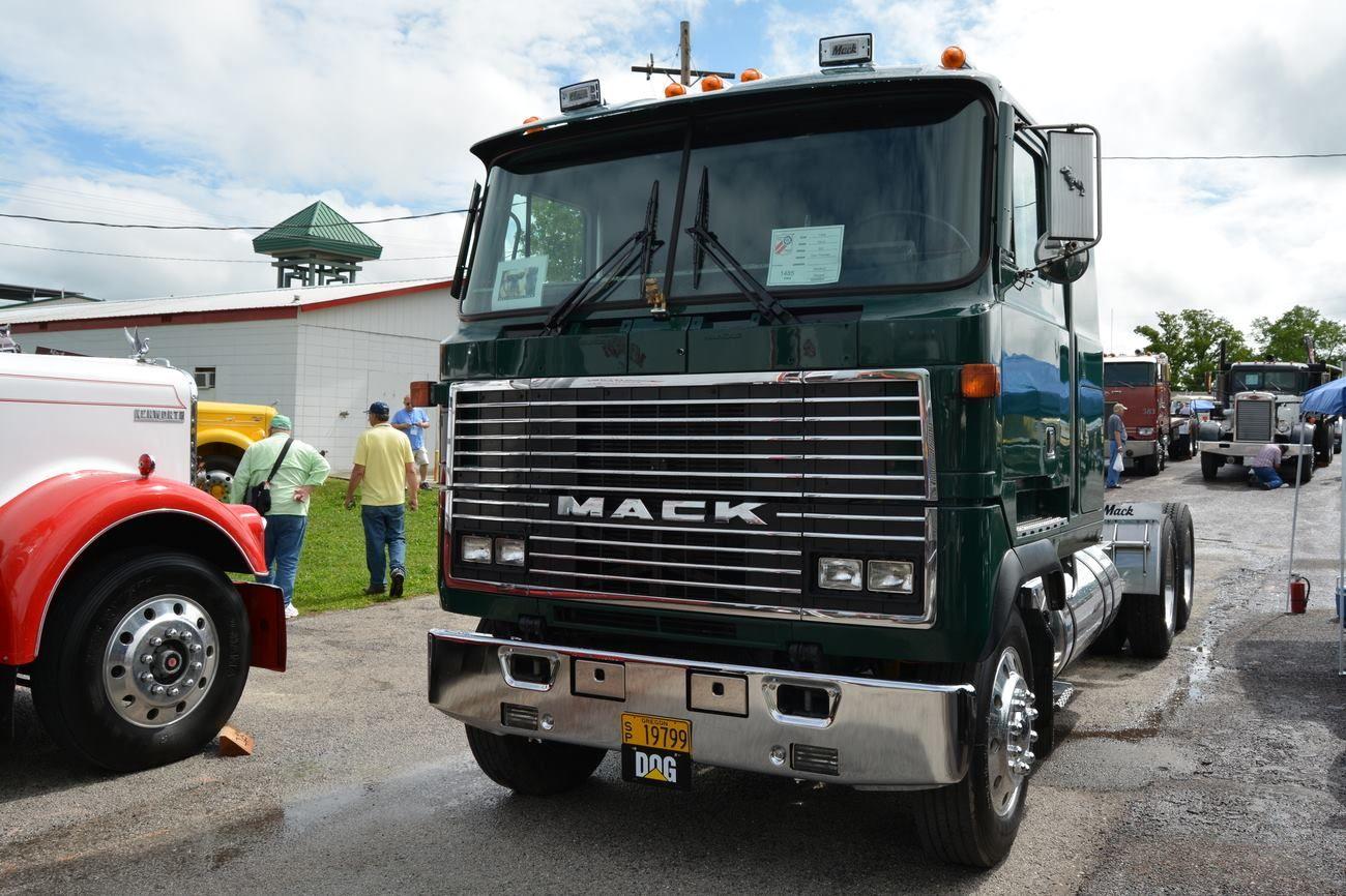 1988 Mack MH Ultraliner Trucks, Mack trucks, Mack attack