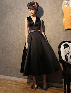 Robe de cocktail soiree noir en satin elastique