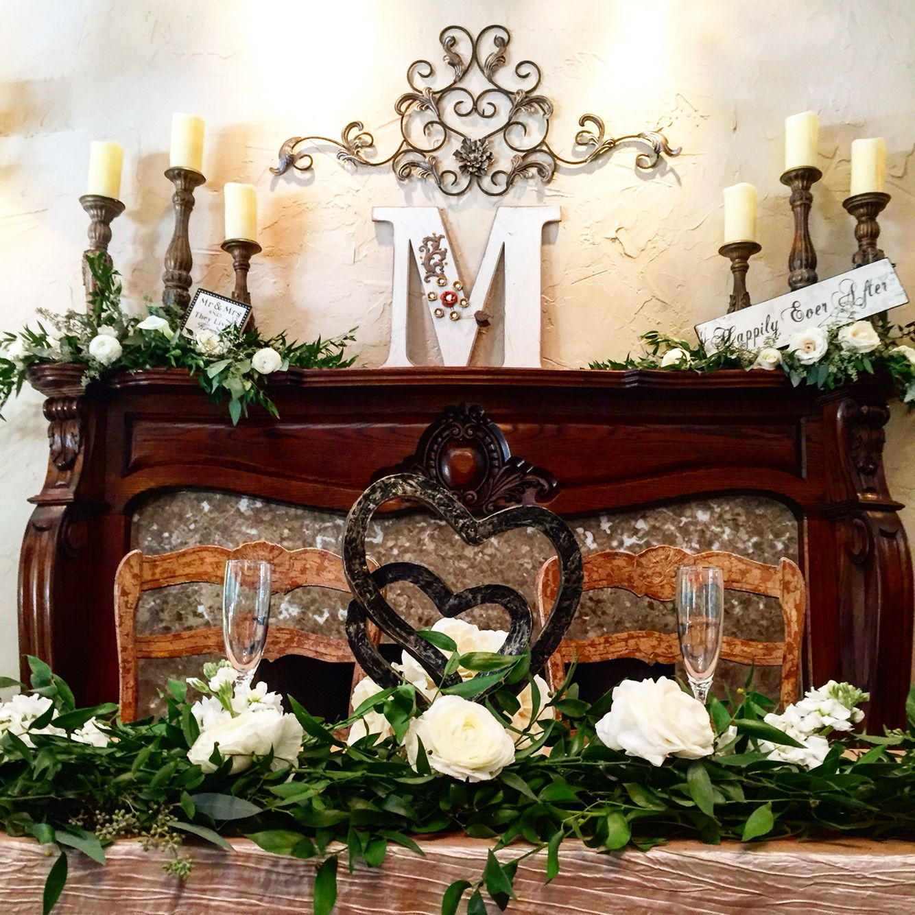 Gorgeous Head Table In Front Of The Fire Place. Wildwood