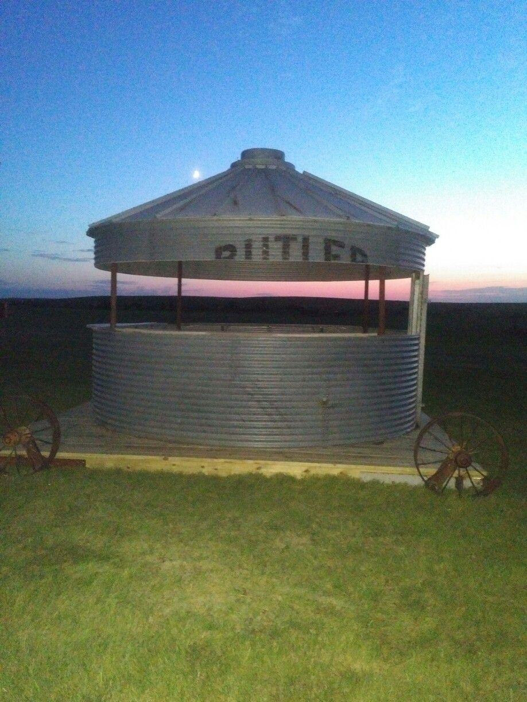 Grain Bin Home Portable Grain Bin Bar Made By Tracy Moch Braddock Nd Farmyard