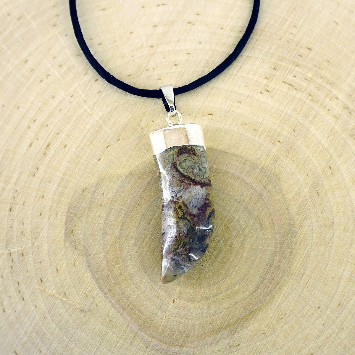 Agate Claw Pendant
